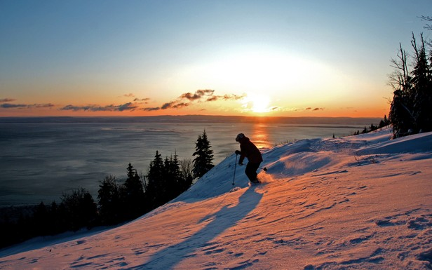 Sunset skiing in Quebec City.